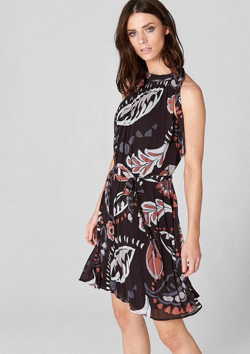 s.Oliver Premium jurk met Plissees en een bloemendessin zwart