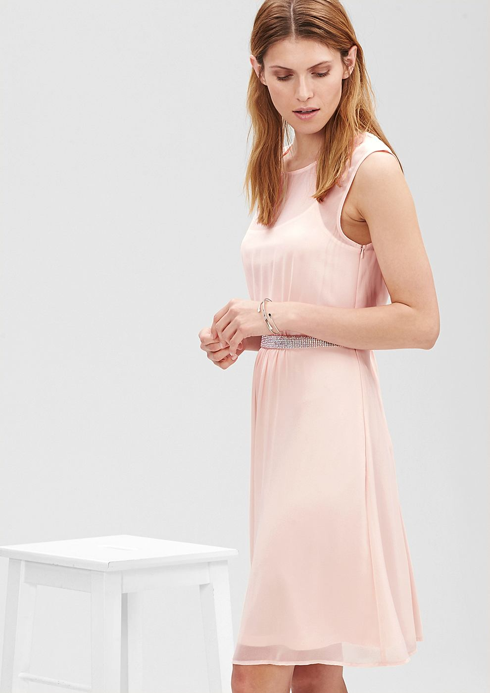s.Oliver Premium chiffon jurk met glittersteentjes roze
