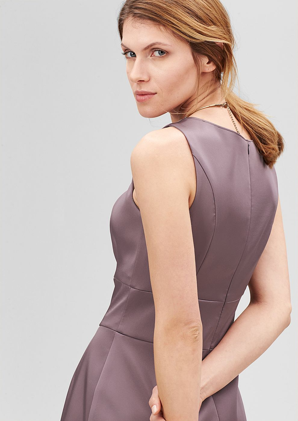 s.Oliver Premium Getailleerde jurk van satijn paars