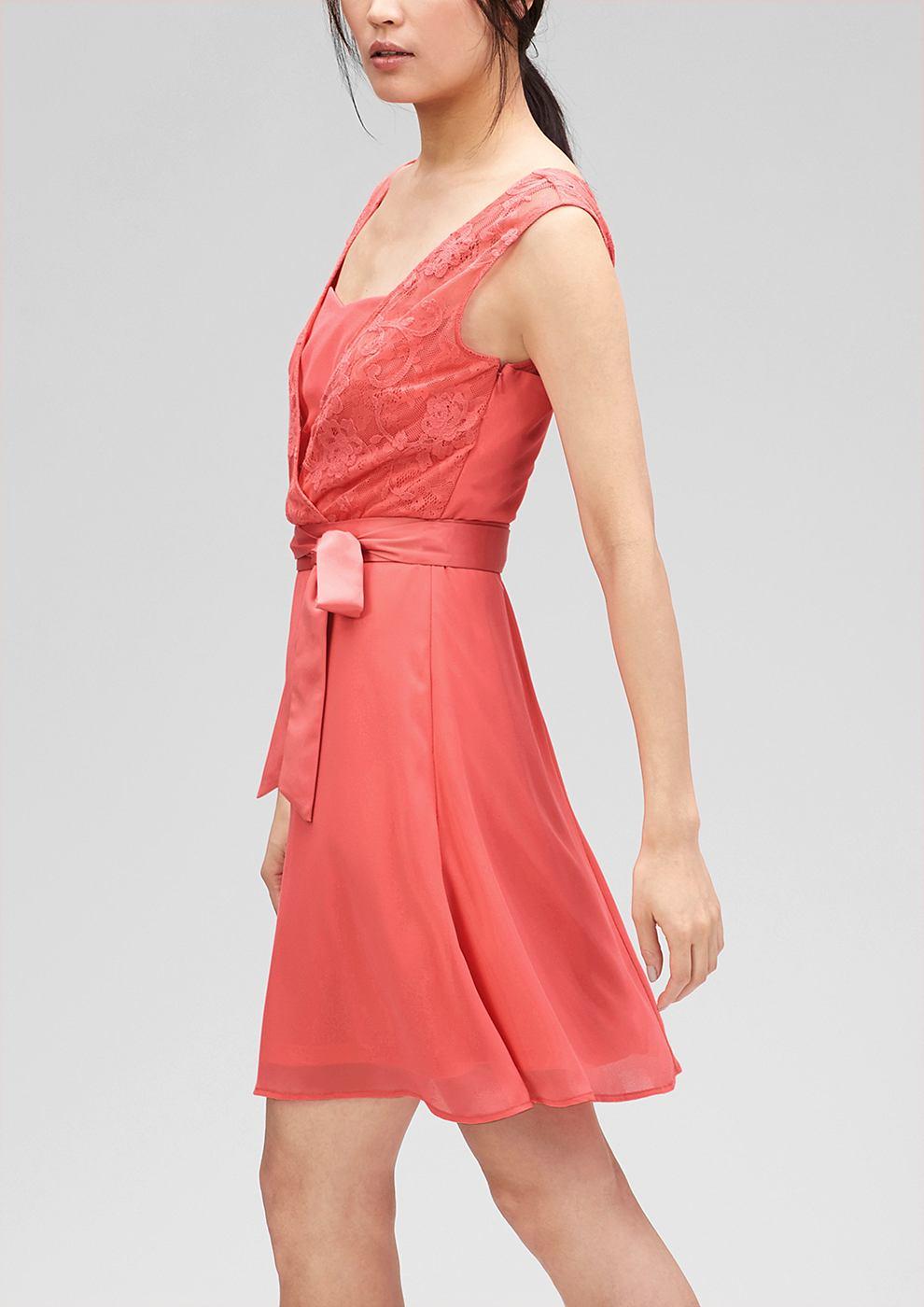 s.Oliver Premium jurk met kant en laagjeseffect rood