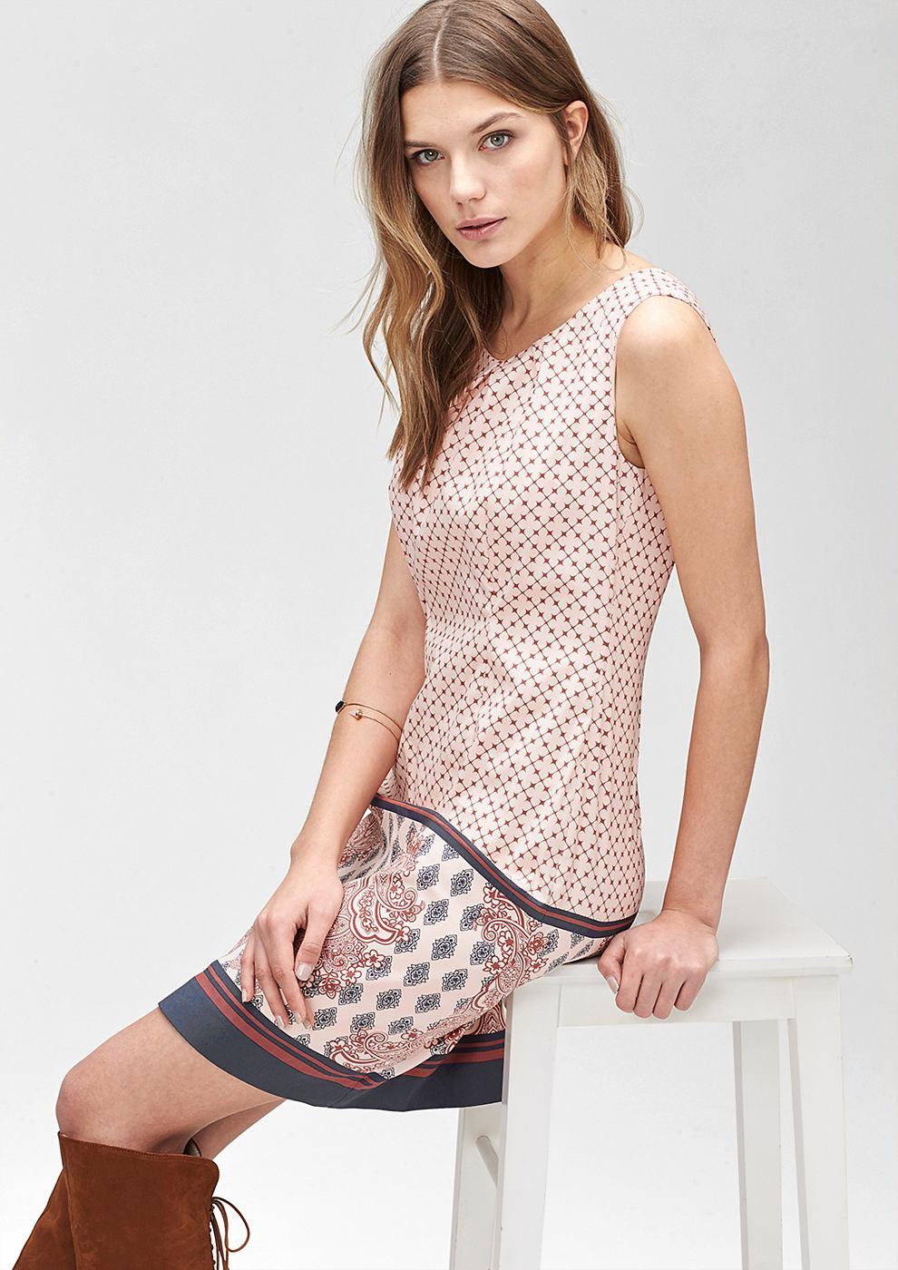 s.Oliver Premium jurk met een motiefprint roze