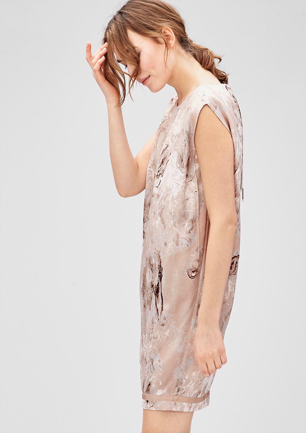 s.Oliver Premium Mouwloze egg shape jurk bruin