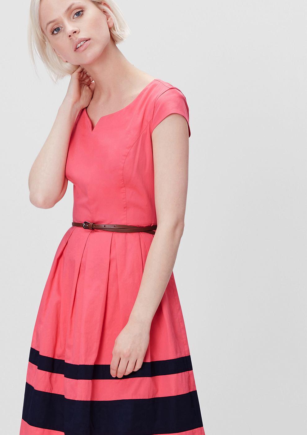 s.Oliver Uitlopende jurk van satijn roze