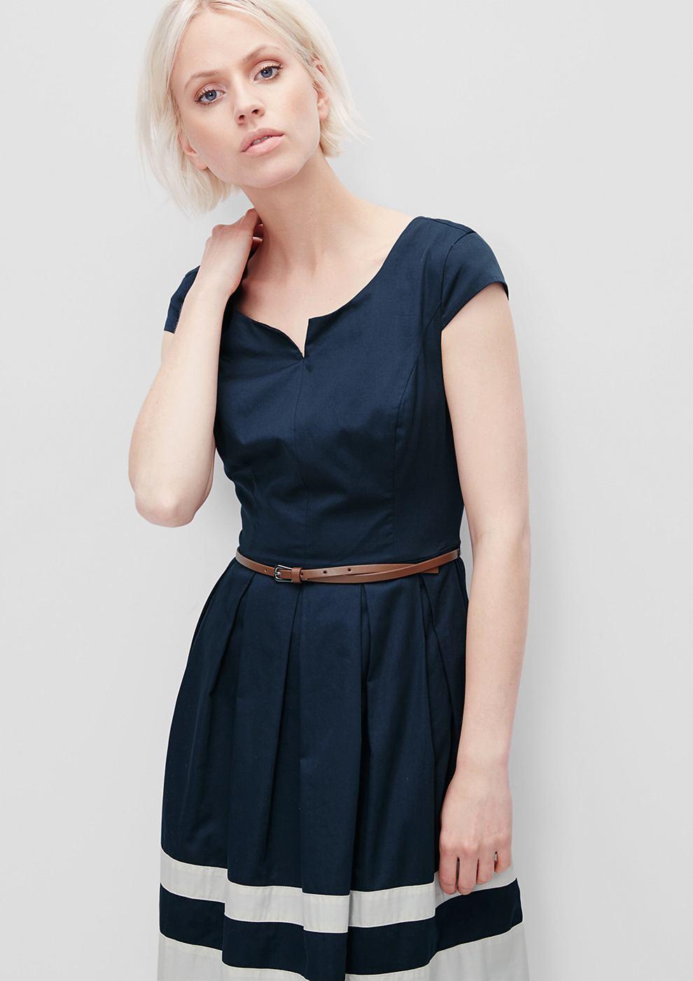 s.Oliver Uitlopende jurk van satijn blauw
