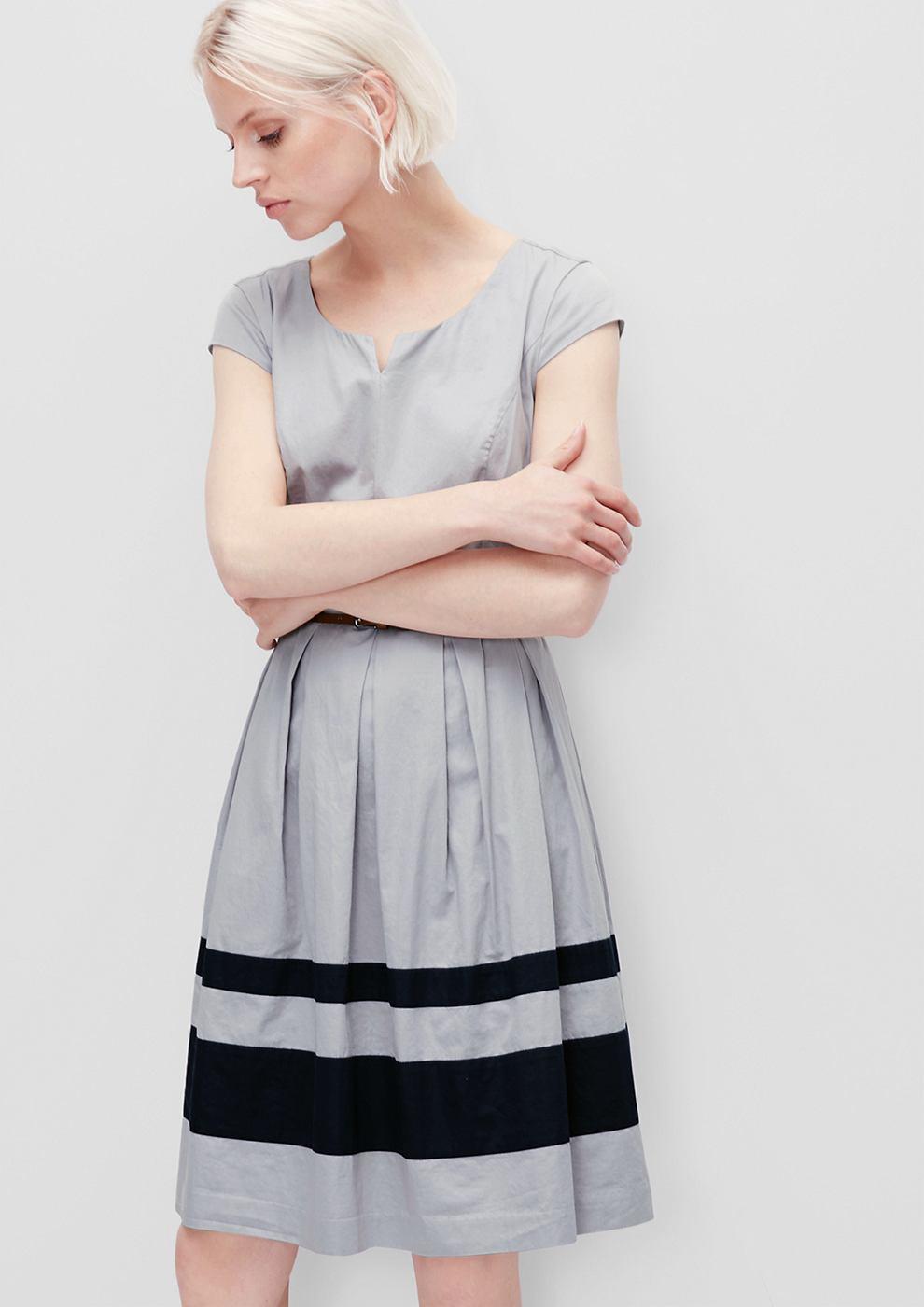 s.Oliver Uitlopende jurk van satijn grijs