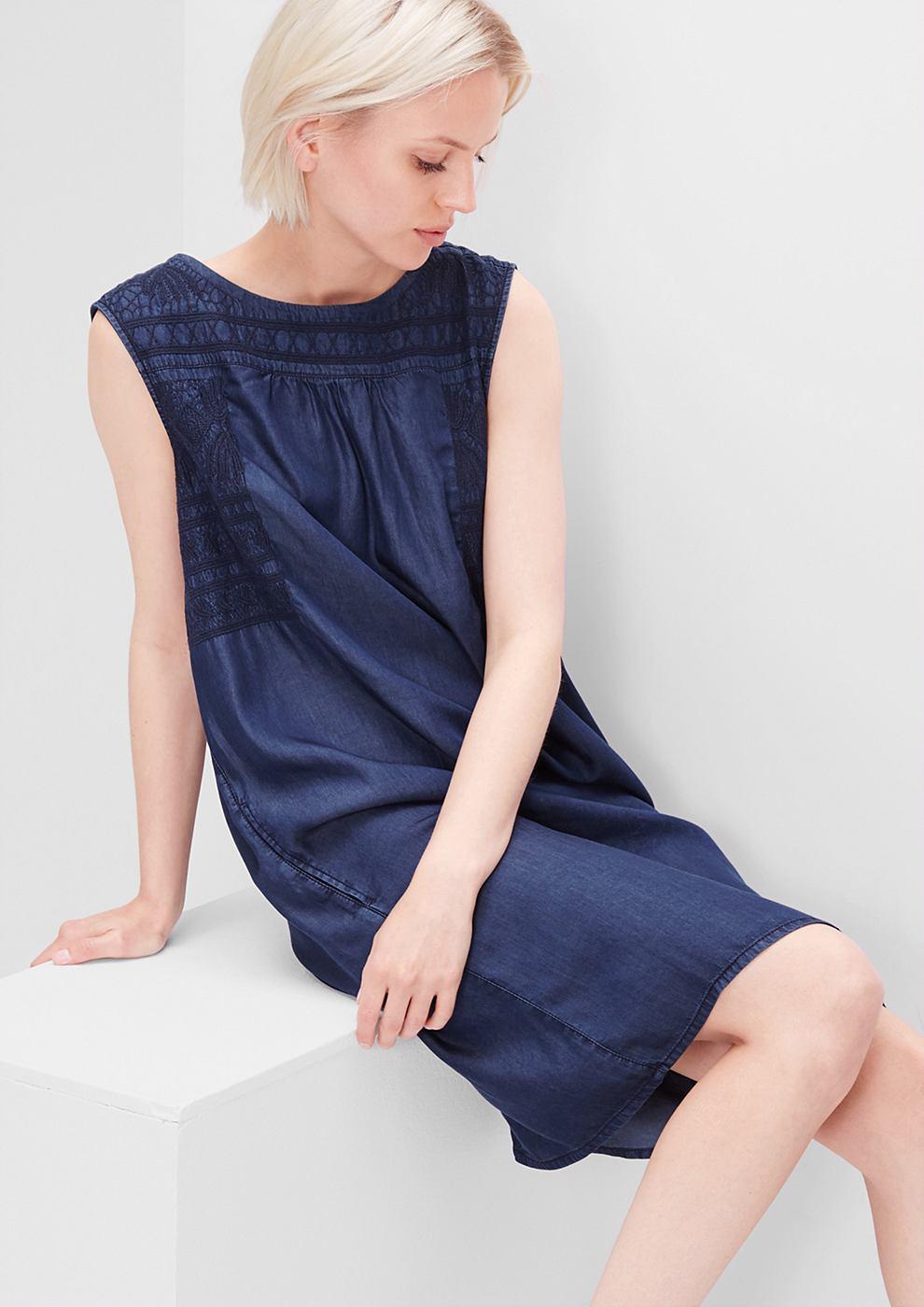 s.Oliver Bestikte midi-jurk blauw
