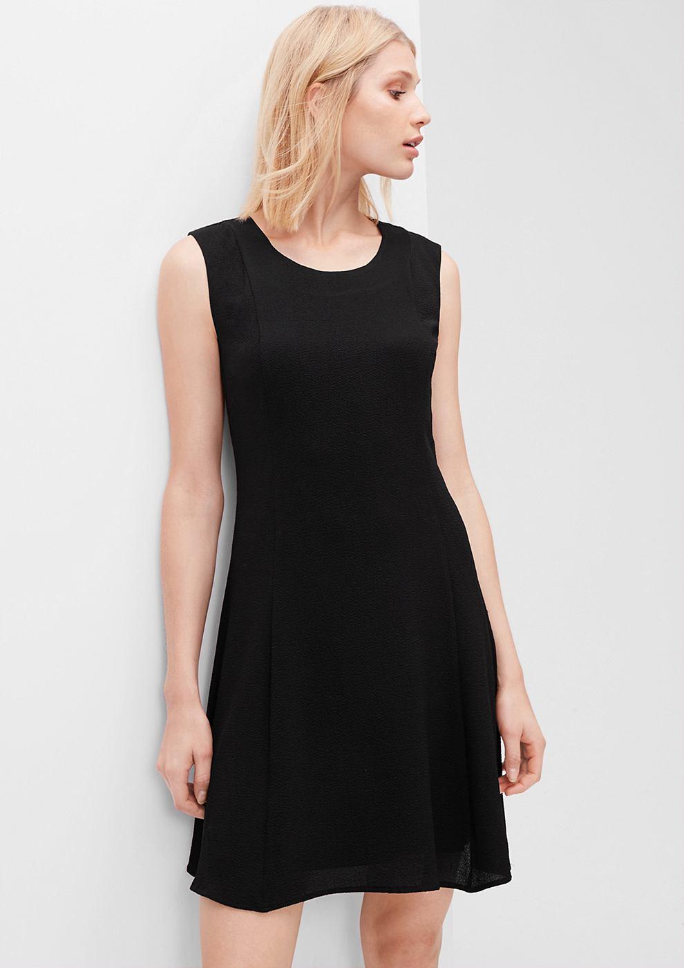 s.Oliver Mouwloze crêpe jurk zwart