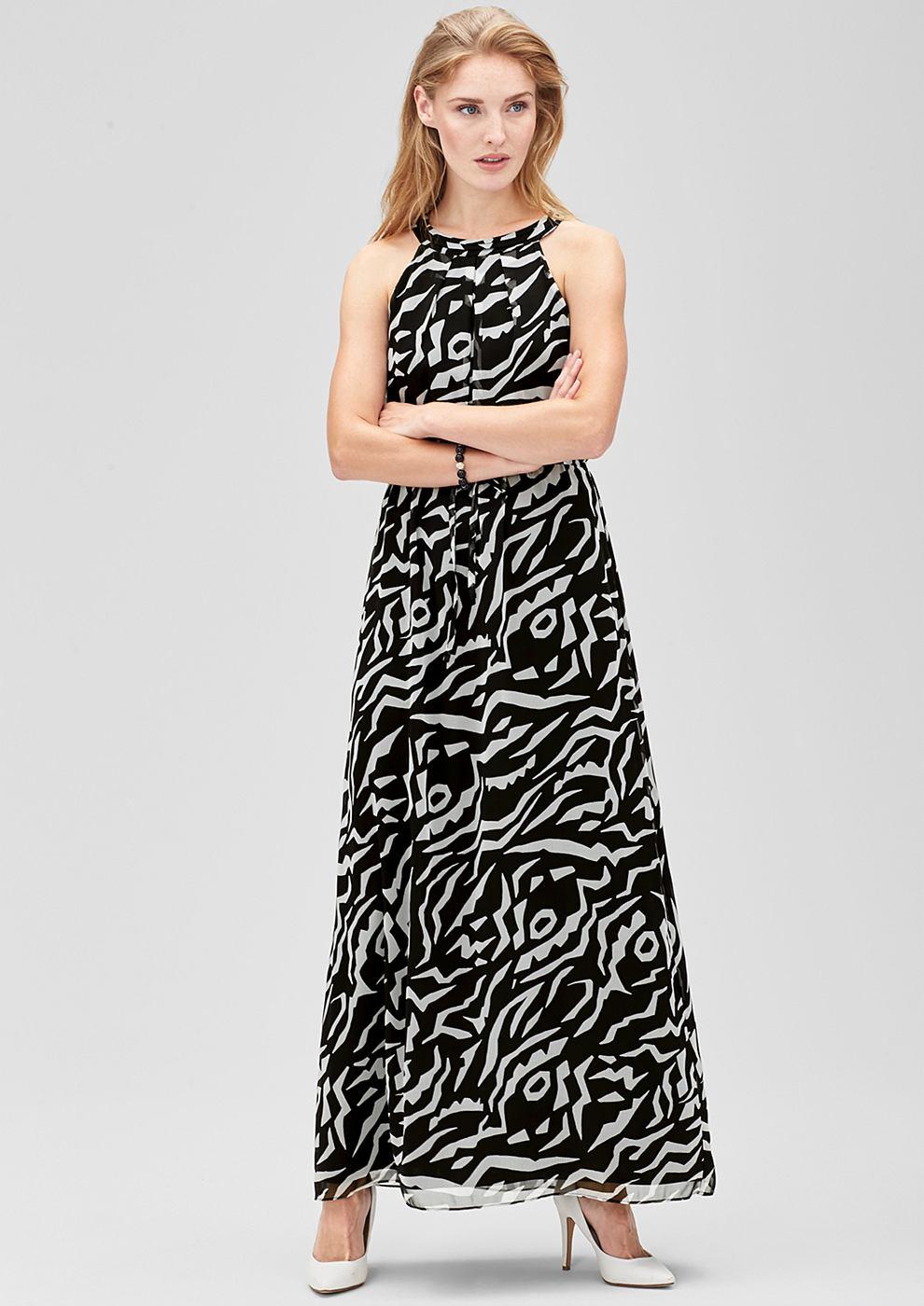 s.Oliver Premium Off shoulder maxi dress zwart