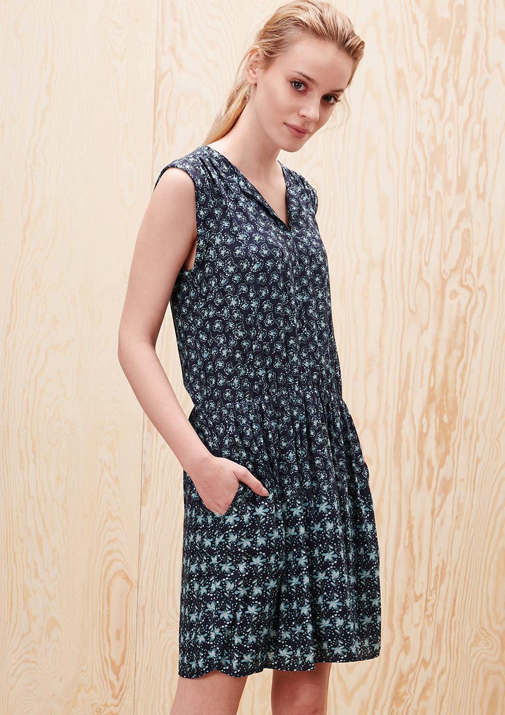 s.Oliver Crêpe jurk met een motief blauw
