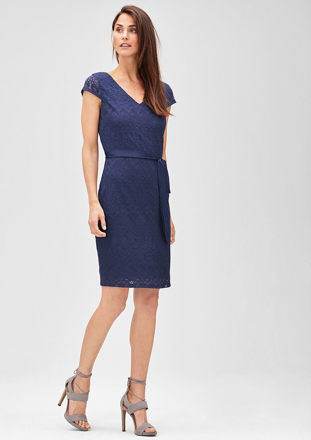 s.Oliver Premium kanten jurk met strikceintuur blauw