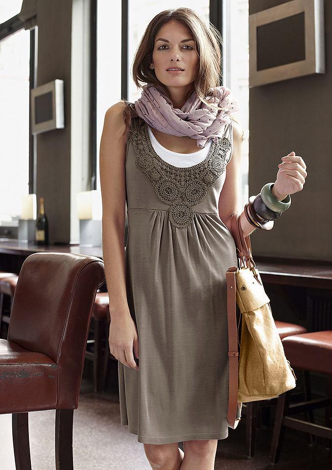 jurk Aniston bruin